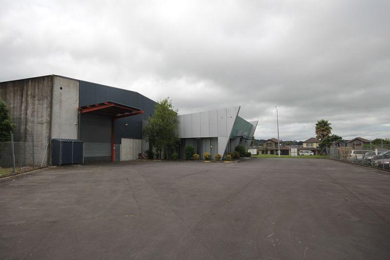 Clear span, tilt slab warehouse available now!