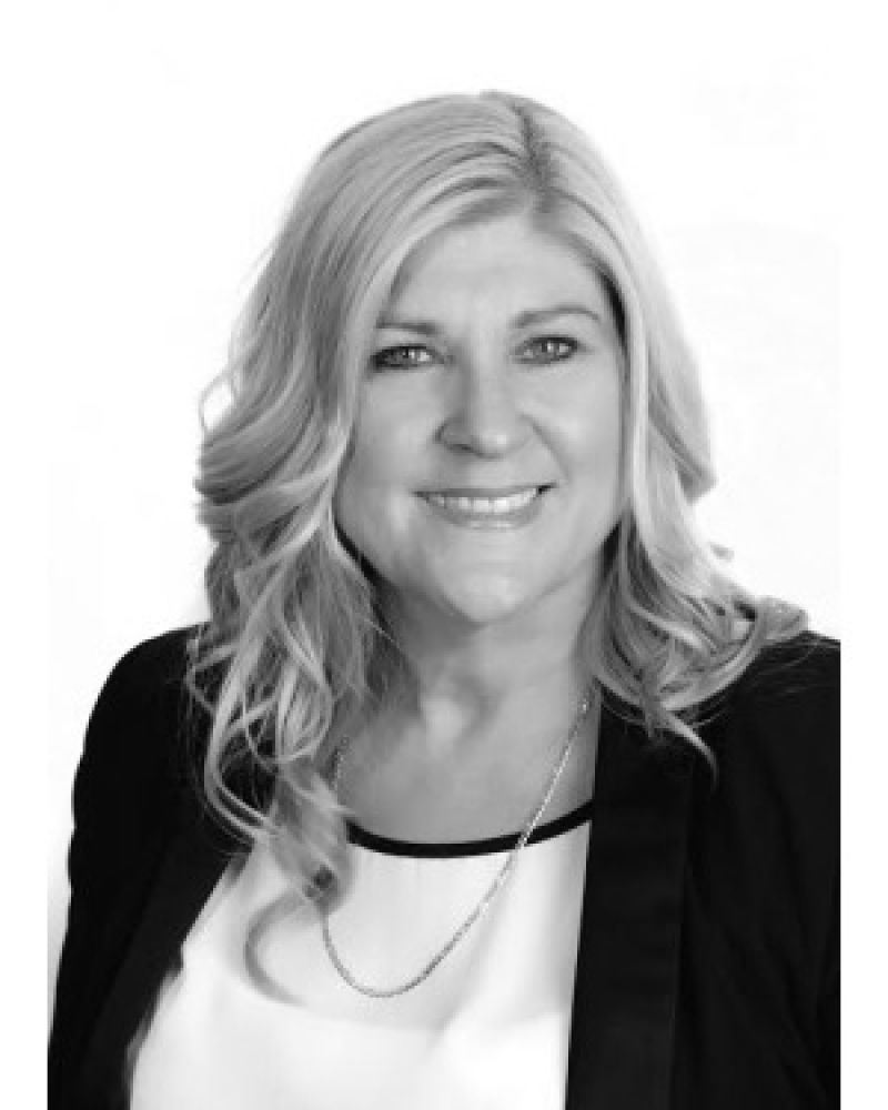 Sue Bloomfield Real Estate Agent