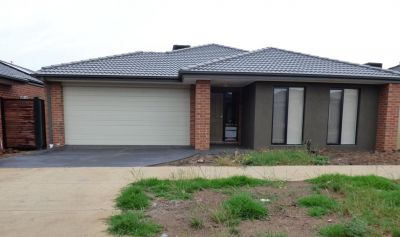 Modern and Spacious Four Bedroom Family Home!
