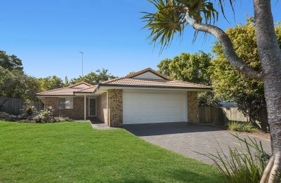 4 Goldcrest Court, Sunrise Beach