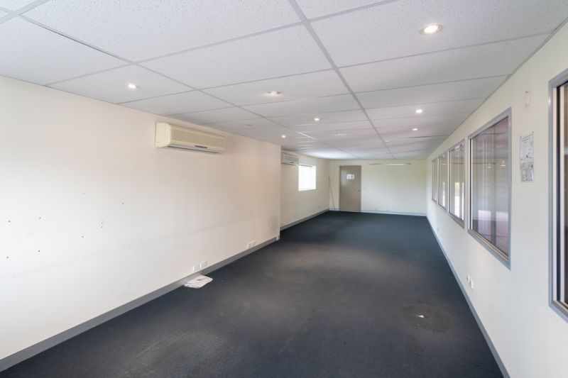 One Off - Huge Industrial Shed And Office Block - Prime Location