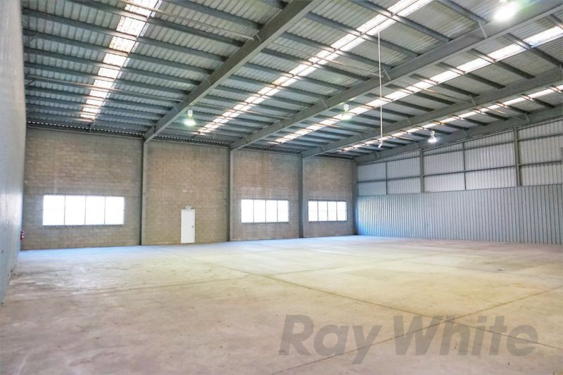 For Lease: 787sqm* FUNCTIONAL TRADECOAST INDUSTRIAL TENANCY