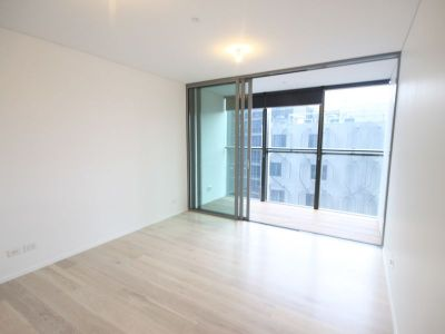 One Bedroom Luxury Apartment in Central Park