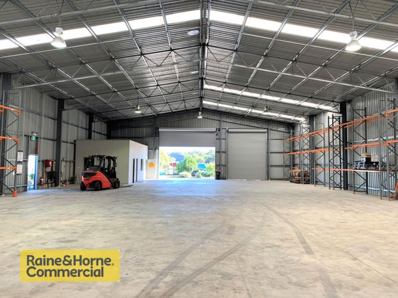 Freehold industrial warehouse!