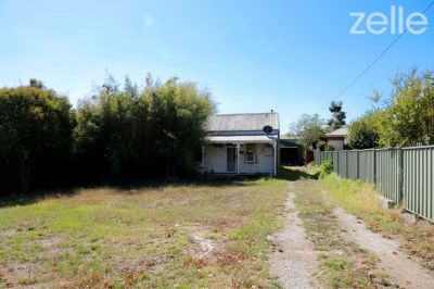 320 Norfolk Street, East Albury