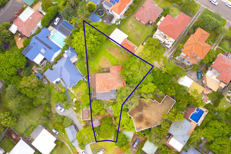 Substantial backyard and Opportunity on 974 sqm