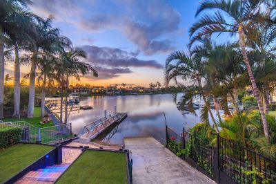 A Family Oasis Close to Emmanuel College, Metricon and Main River