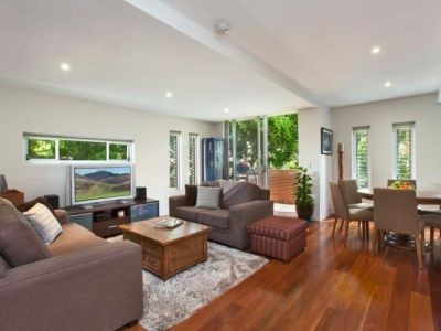 APARTMENT IN THE HUB OF ROSE BAY
