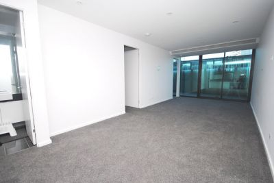 Southbank Grand: 8th Floor - Large Private Terrace!