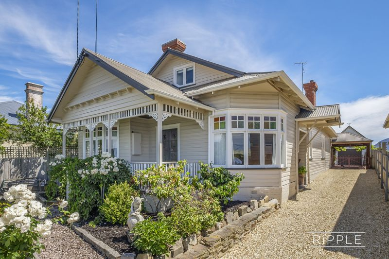 FAIRY-TALE HOME IN ARGUABLY THE BEST STREET IN MOONAH