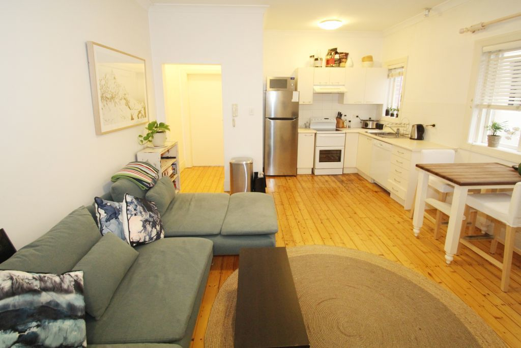 SPACIOUS ONE BEDROOM APARTMENT IN THE HEART OF BONDI!