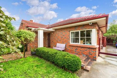 Brilliant Family Home in One of Maribyrnong Premiere Streets.