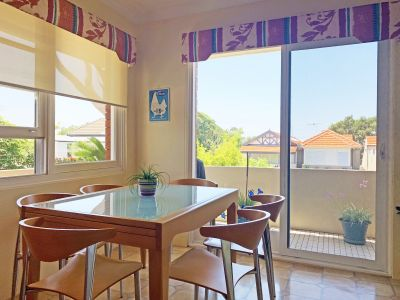 Beautiful & Bright two bedroom apartment.