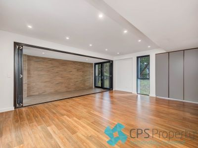 STYLISH  PARKSIDE TWO BEDROOM RESIDENCE IN THE LANDMARK 'ALEX APARTMENTS'