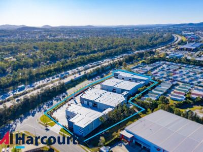 Unit 15 - Commercial Warehouse 215SQM FOR LEASE