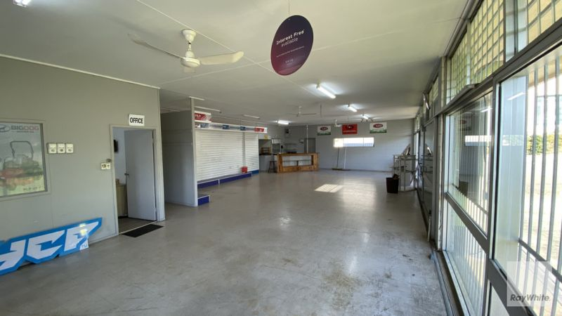 Showroom & Warehouse with Hardstand