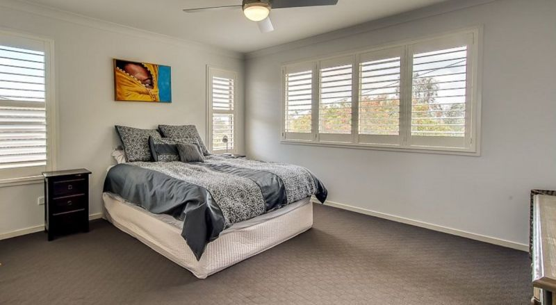 LOOK NO FURTHER - FULLY FENCED - PET FRIENDLY - MODERN SPACIOUS HOME