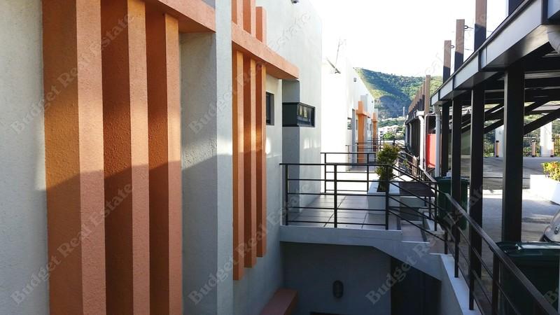 SPACIOUS & MODERN 3 BEDROOM APARTMENTS