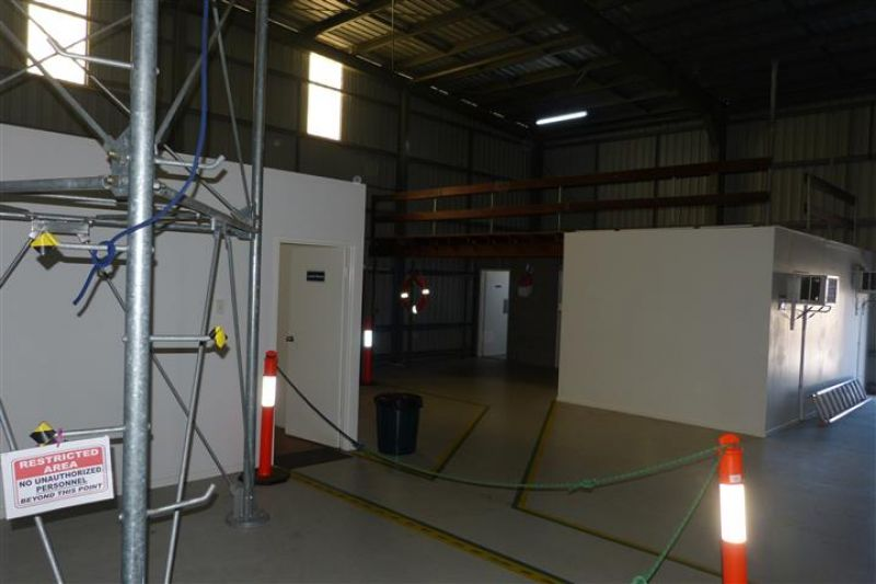 SHOWROOM OFFICE AND WAREHOUSE!!