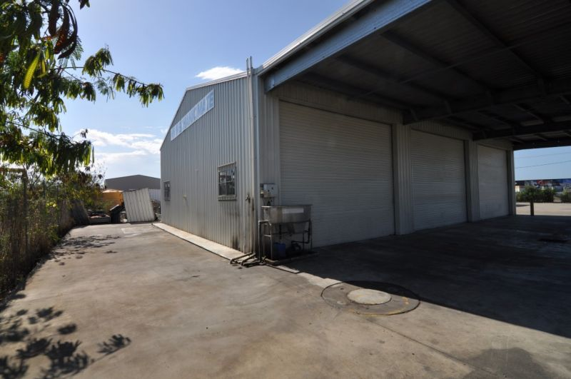 Free standing industrial warehouse with wash down bay & oil separator