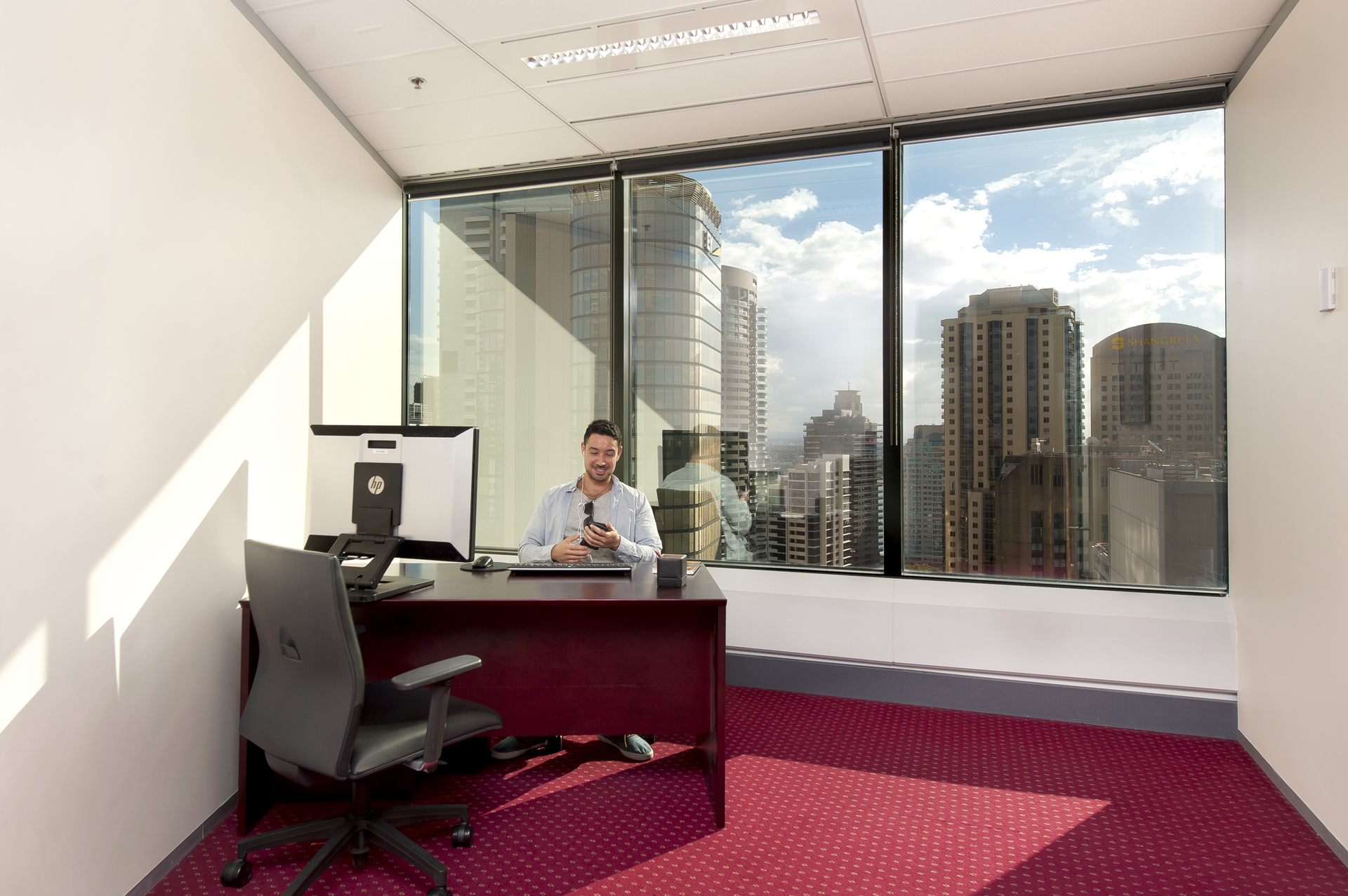 NICE OFFICES LOCATED IN SYDNEY CITY PRESTIGIOUS BUILDING WITH  IMPRESSIVE VIEWS.