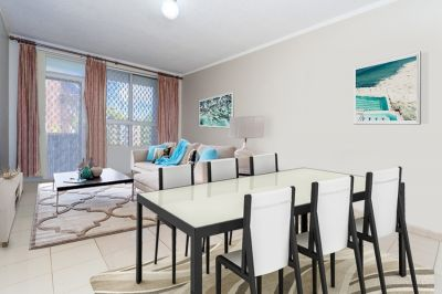 Bright 2-Bedroom Apartment with Internal Laundry