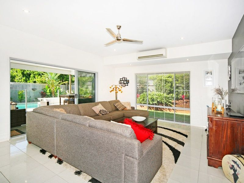 11 Maidstone Crescent, Peregian Springs QLD 4573