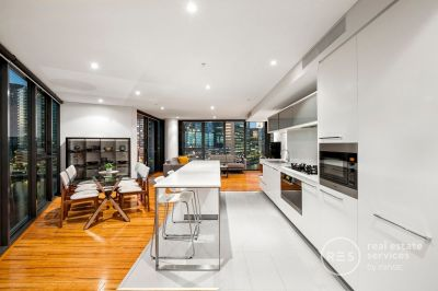 Breathtaking Yarra Point living with stunning city and bay views