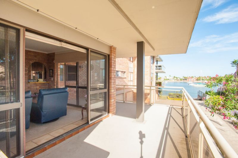 MOOLOOLABA, WATER VIEWS, ORIGINAL APARTMENT = OPPORTUNITY!