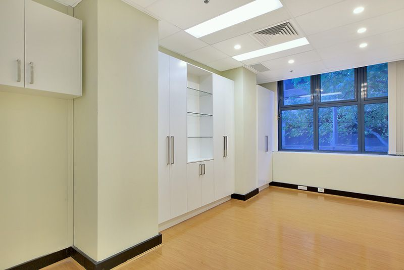 FITTED CBD COMMERCIAL SUITE METRES FROM CENTRAL STATION