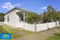 Beautifully Renovated 3-4 Bedroom Cottage. New Paint, Kitchen, Bathroom & Roof. Council Approved Backyard Villa & Extension