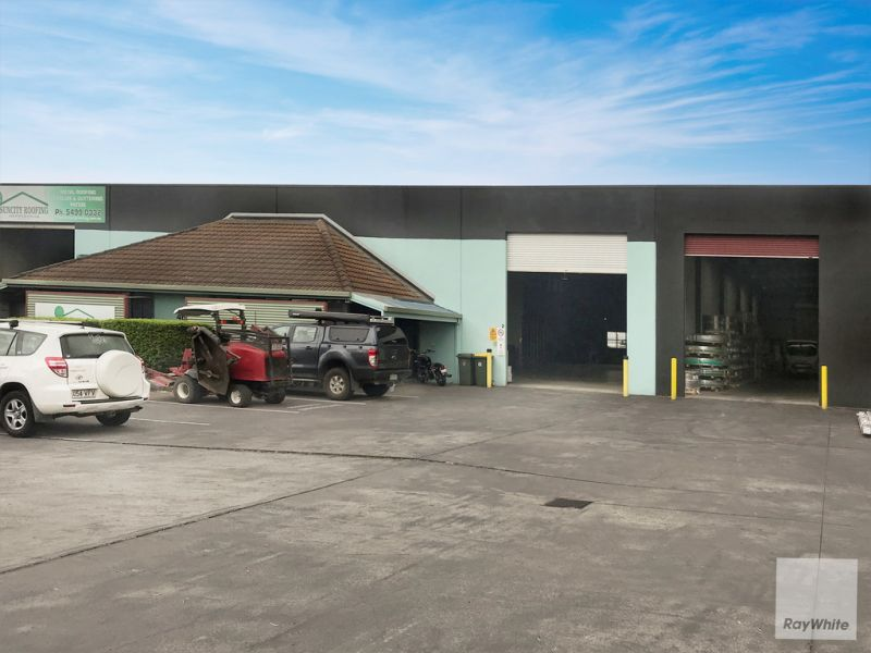 580m2 Industrial Warehouse Fronting Busy Aerodrome Road