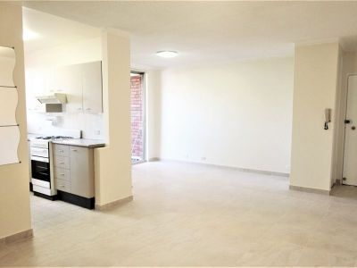 Large 2br with Lock-Up Garage