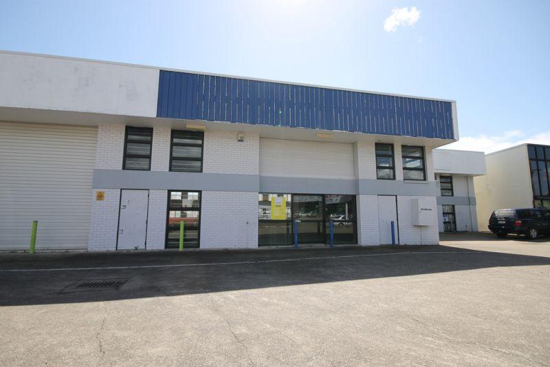 396sqm* Industrial Unit/Showroom