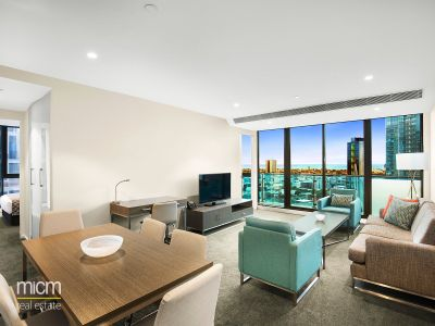 Gorgeous Three Bedroom Apartment in Near New Southbank Central Complex!