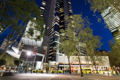 Eureka: 36th Floor - Luxury Southbank Living!