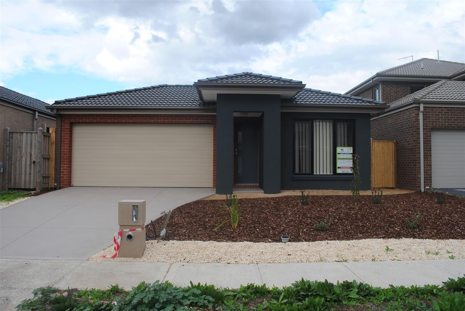 FIRST CLASS TENANT WANTED! Fantastic Home in Saltwater Coast Estate!