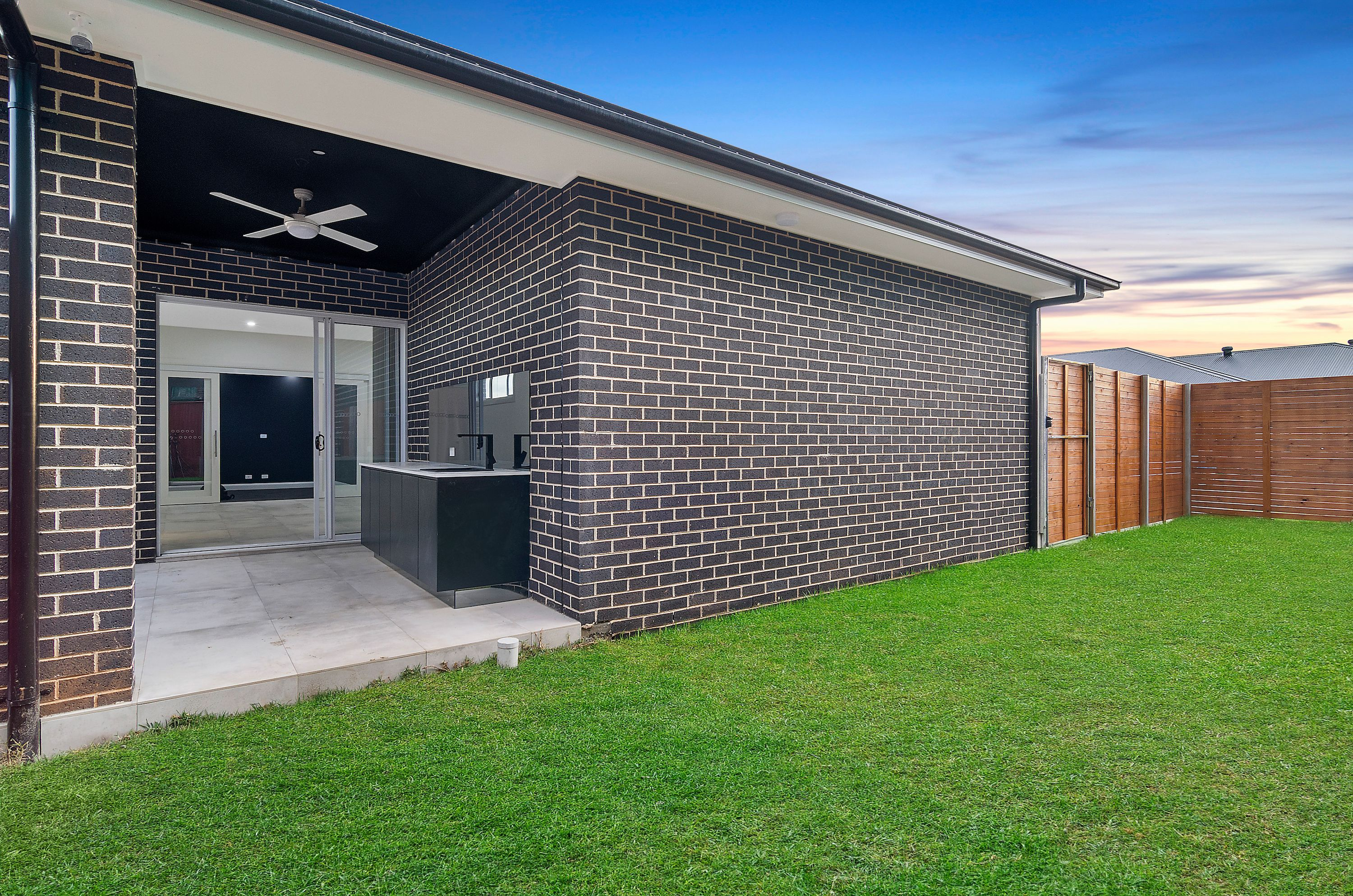 28 Bloomsdale Circuit, Box Hill NSW 2765