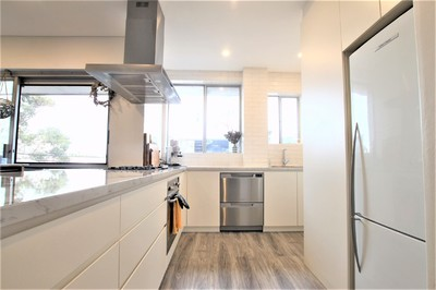 Fully Renovated Apartment with Garage