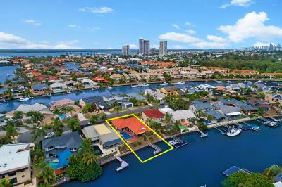 Spacious Waterfront Living With Stunning Views!