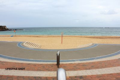 2 BEDROOM UNIT IN THE HEART OF COOGEE