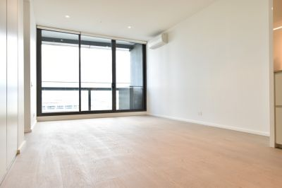BRAND NEW High End Finish With Harbour View!