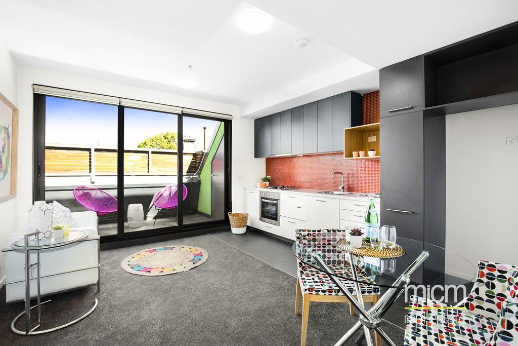 Sleek and Convenient St Kilda Living