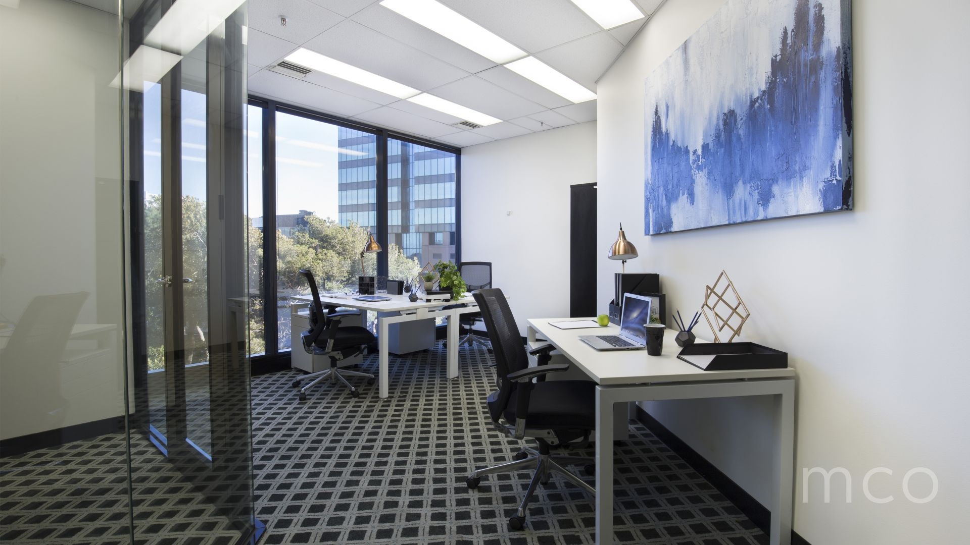 Great opportunity to occupy or invest an impressive office at a low entry price