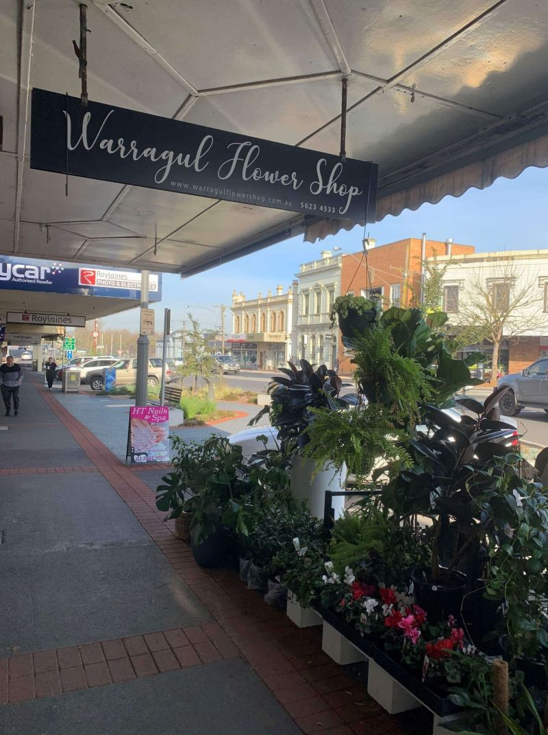 VERY BUSY WARRAGUL FLOWER SHOP NOW FOR SALE