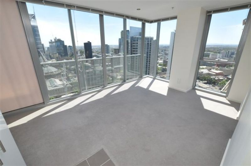 8 Eastend: 27th Floor - Stunning Views!