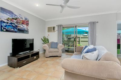 Low Body Corp. - Courtyard - Lock up garage - Pet Friendly -Close to Shops, schools and bus stop!