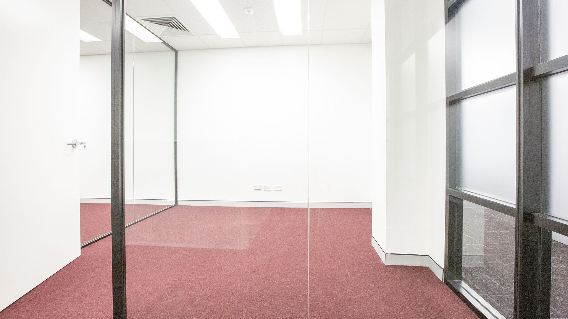 WELL POSITIONED PROFESSIONAL SUITE IN BELROSE BUSINESS PARK