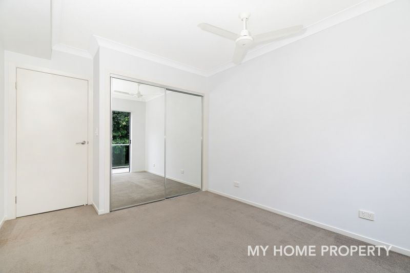 3 BED MODERN UNIT WITH 2 CAR SPACES