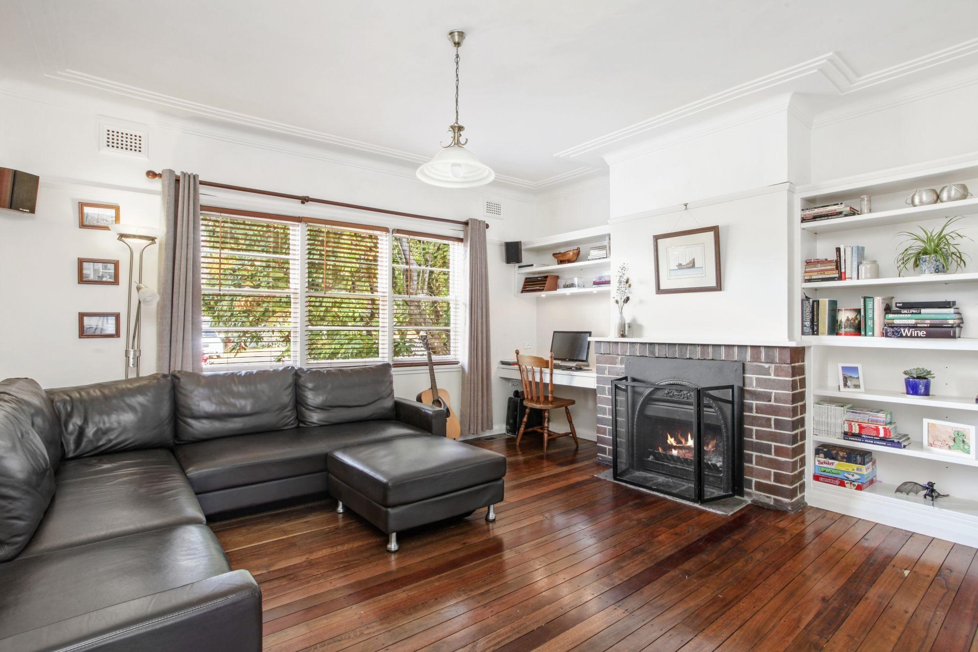 8 Rodova Street Katoomba 2780
